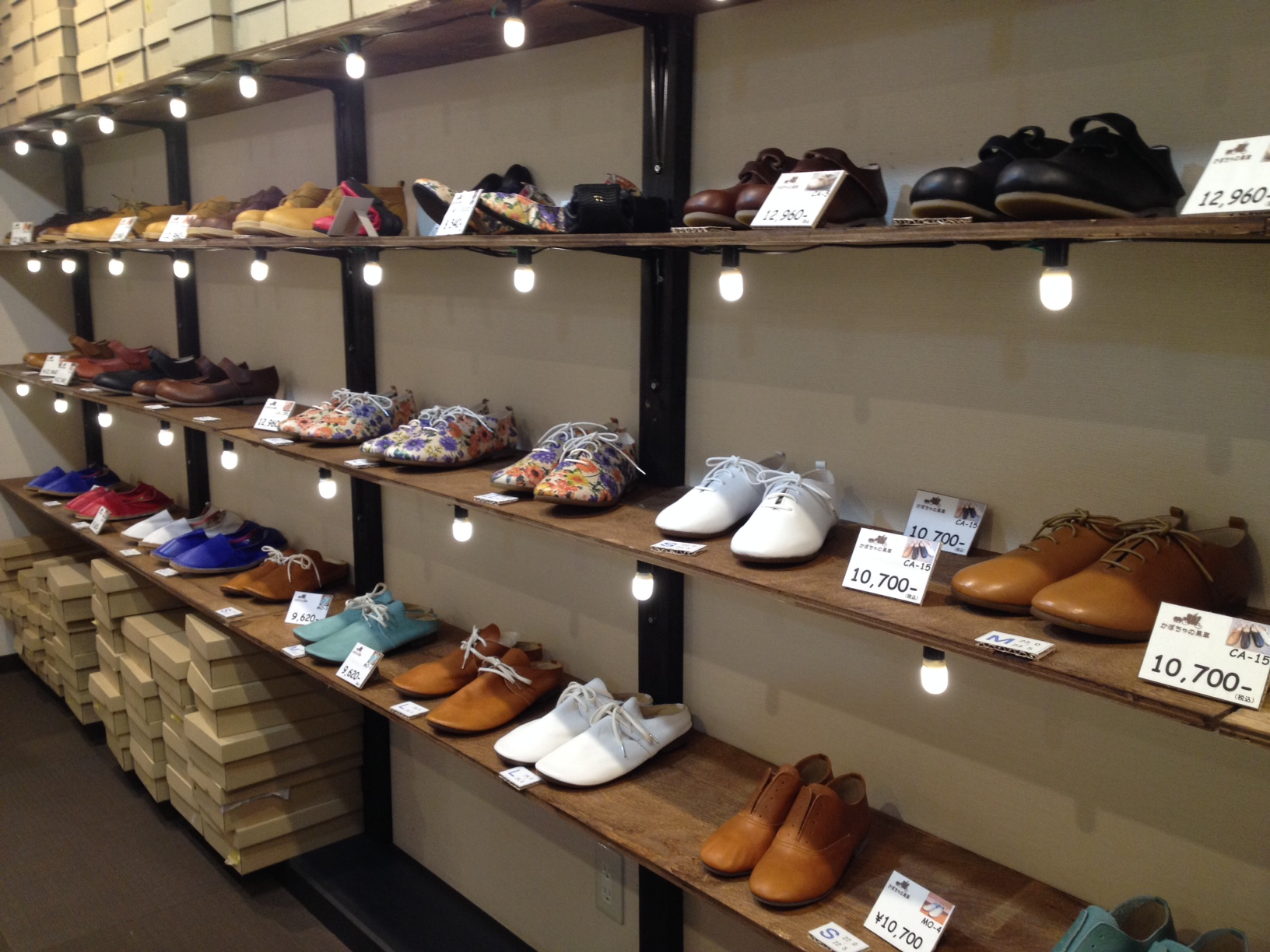 幅広、甲高、外反母趾でお悩みのお客様に合う靴がきっと